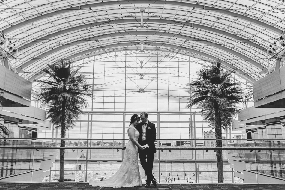 Stephanie + Jason // The Ren Cen + Garden Theater // Detroit, MI